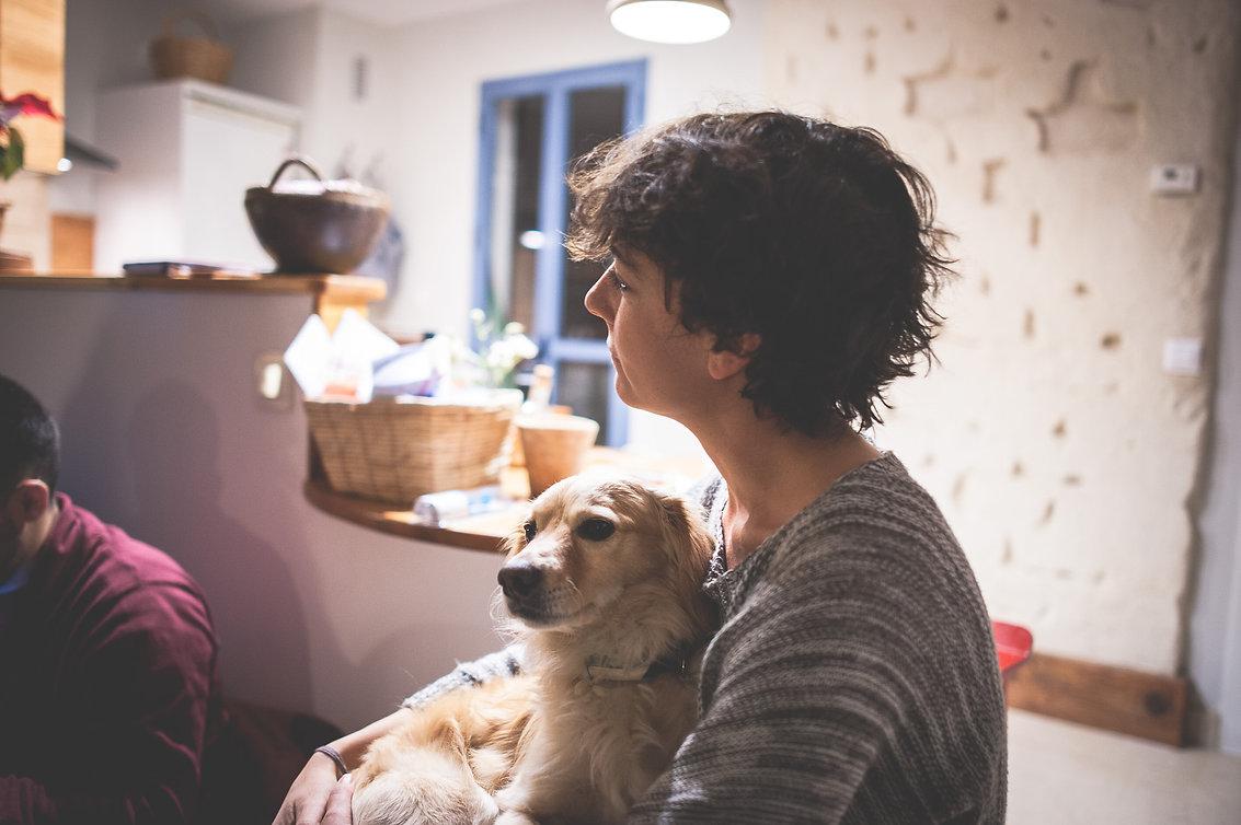 Ana y su perro