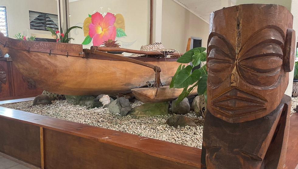 CR Lobby Tangaroa, Vaka, Hibiscus artwor
