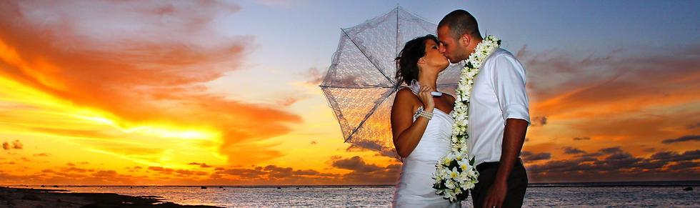 WEDDINGS%20-%20Couple%20with%20Sunset%20