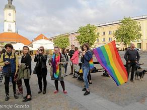 IDAHOT: Globally Marked