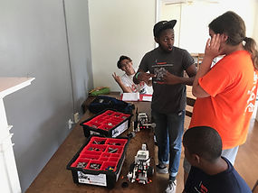 cwk campers doing lego robotics