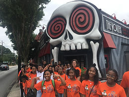 teen campers eating at the vortex in atl