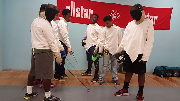 cwk campers taking fencing lessons atl fencing