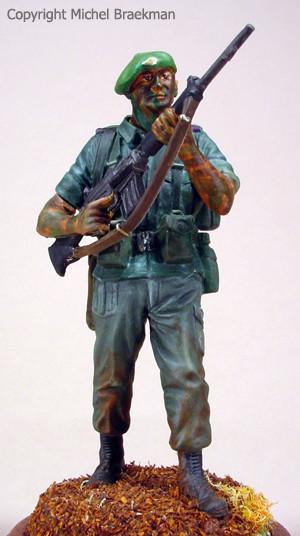 """Autoportrait, """"Battle innoculation"""" Bourg-Léopold, automne 1990, 80mm. (1998)"""