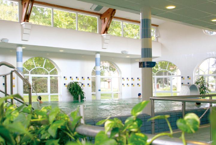 Thermes de Montrond les bains Organisation de séminaire dans la Plaine du Forez par ESPACE PRO 42 Loire