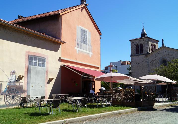 Bar Terrasse à Montrond les bains Organisation de séminaire dans la Plaine du Forez par ESPACE PRO 42 Loire