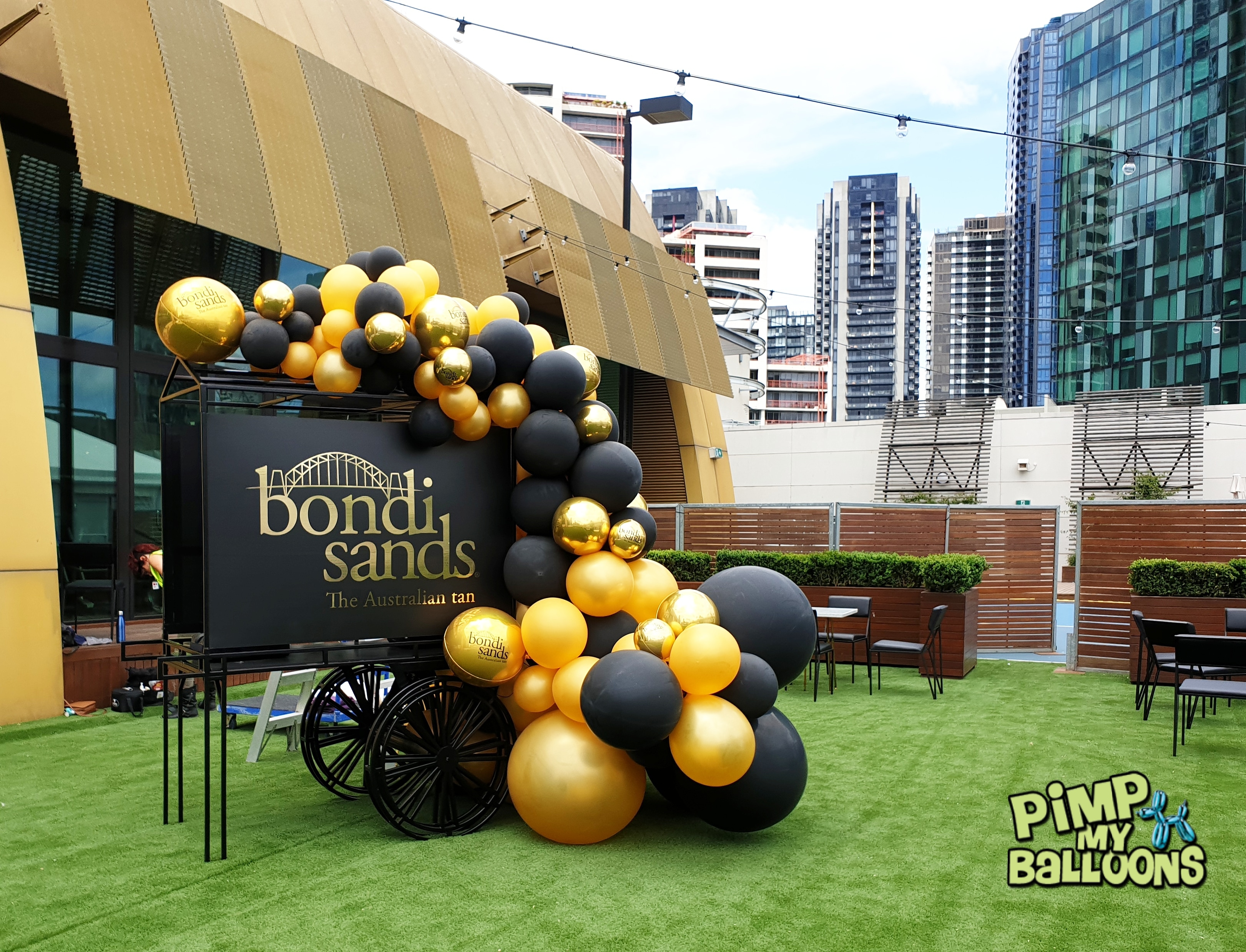 Bondi Sands Balloon Garland (1)
