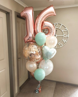 $160 - Giant balloon bouquet