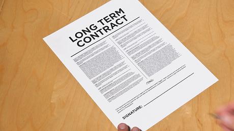 4k-signing-long-term-contract_mj1ao0ld__
