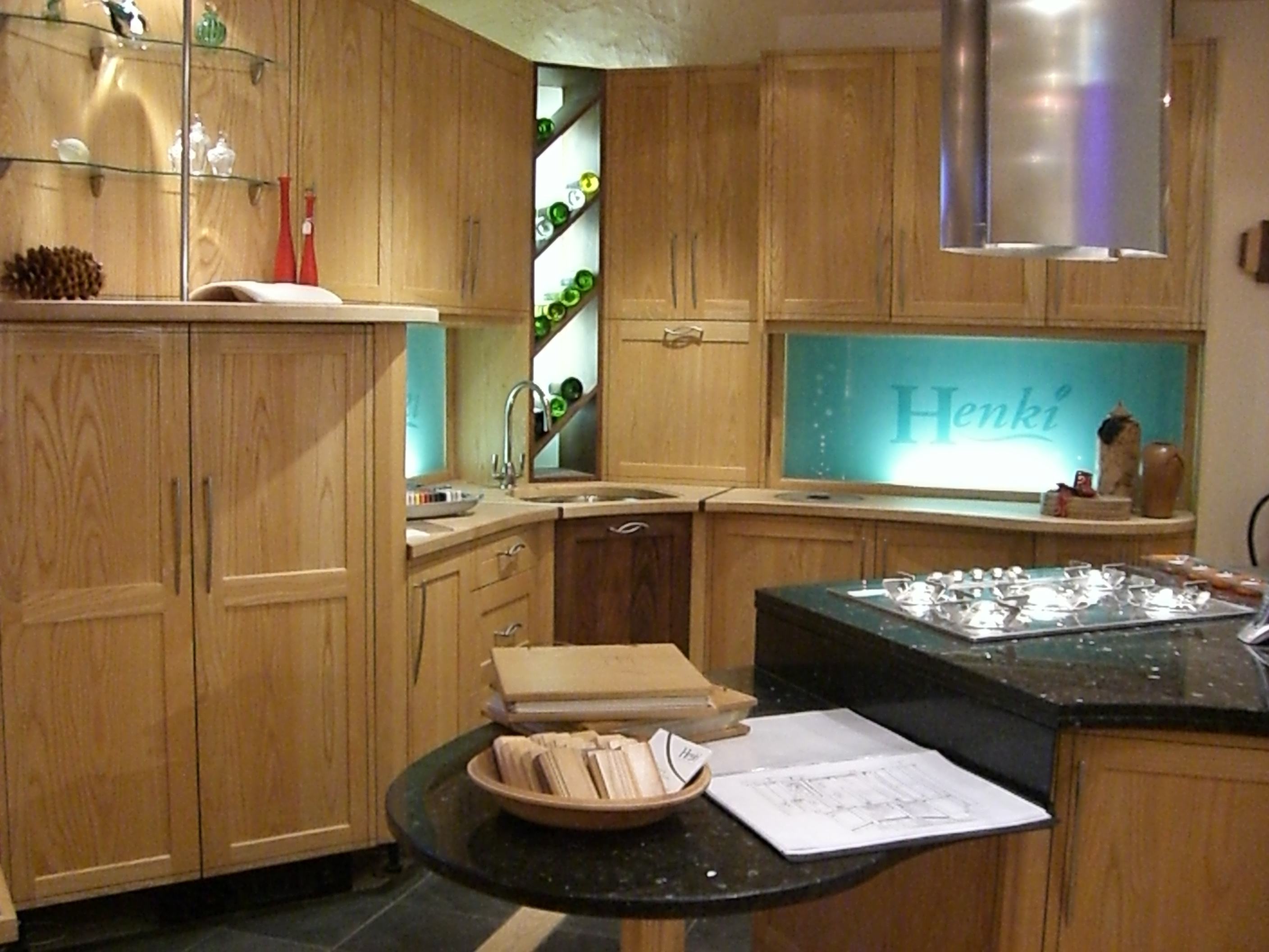 Henki Bespoke Cabinet Makers