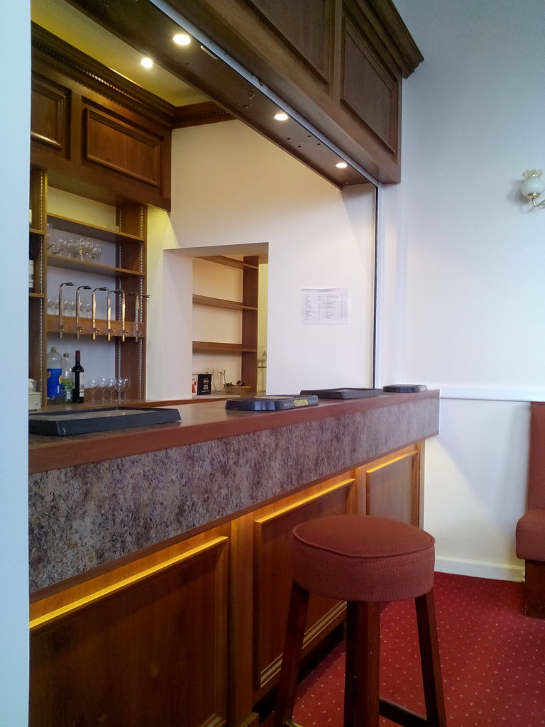 Commercial bar fitting
