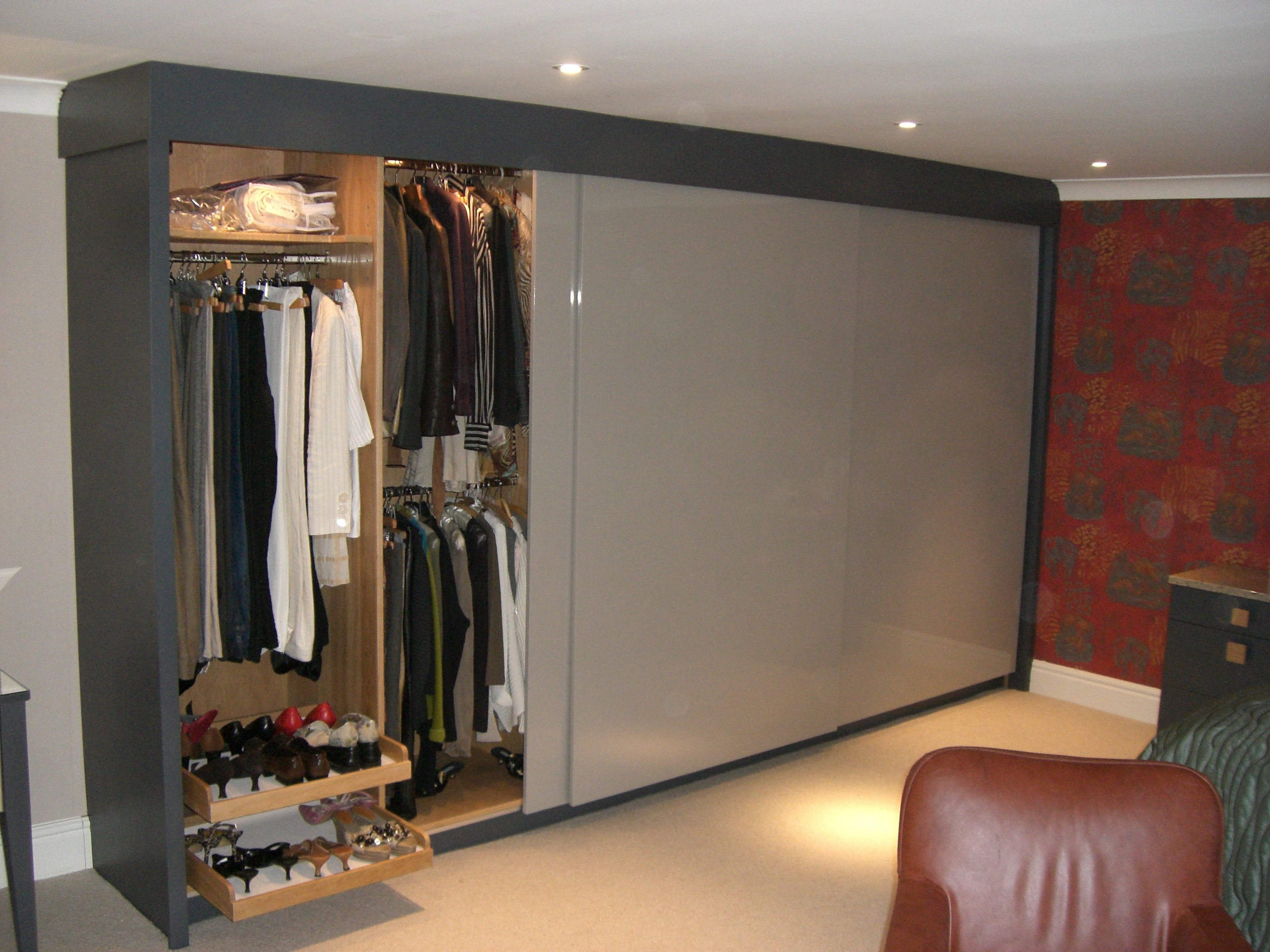 Contemporary style wardrobe