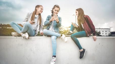 Sebavedomie našich tínedžeriek je  pod priemerom krajín EU