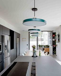 cuisine moderne suspensions bleu canard ilot central agence dekode deco interieur nantes