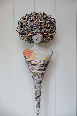 """Sculpture en papier """"Miss More"""" Céline CHOUVENC sculptrice à St Etienne - Agence dékodé décoration intérieure nantes"""