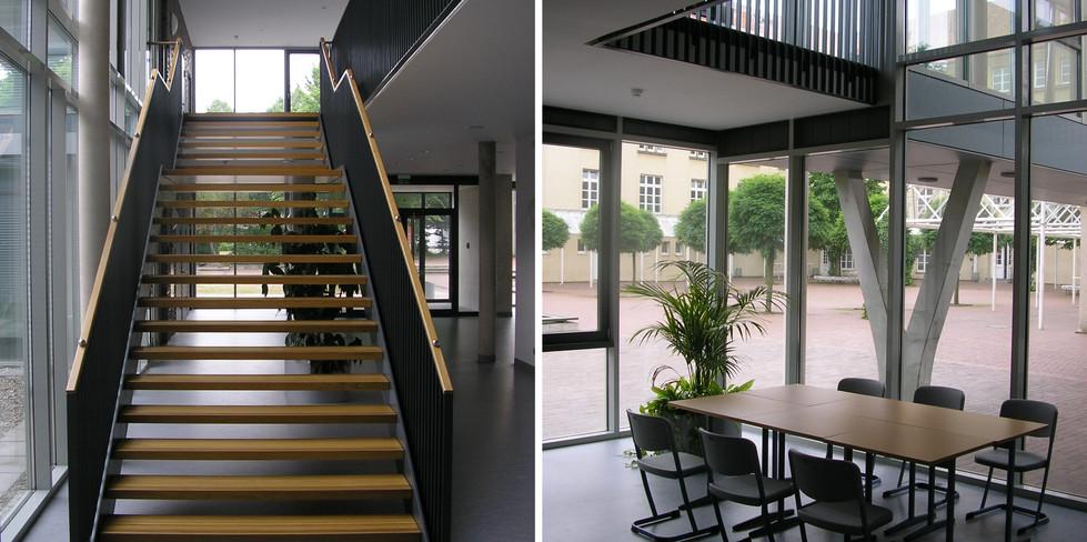 Treppe und Luftraum Foyer