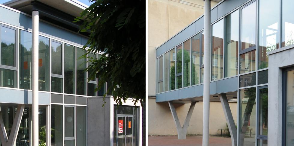 Eingang und Verbindungsgang zum Altbau