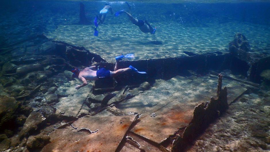 6+1 shipwrecks to dive in Crete
