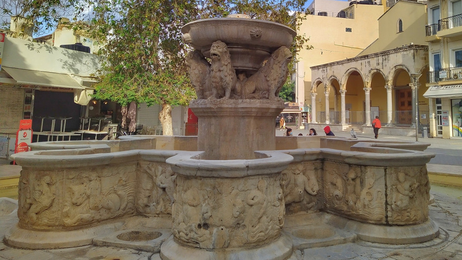 5+1 things you need to know about Heraklion: a smart travel guide