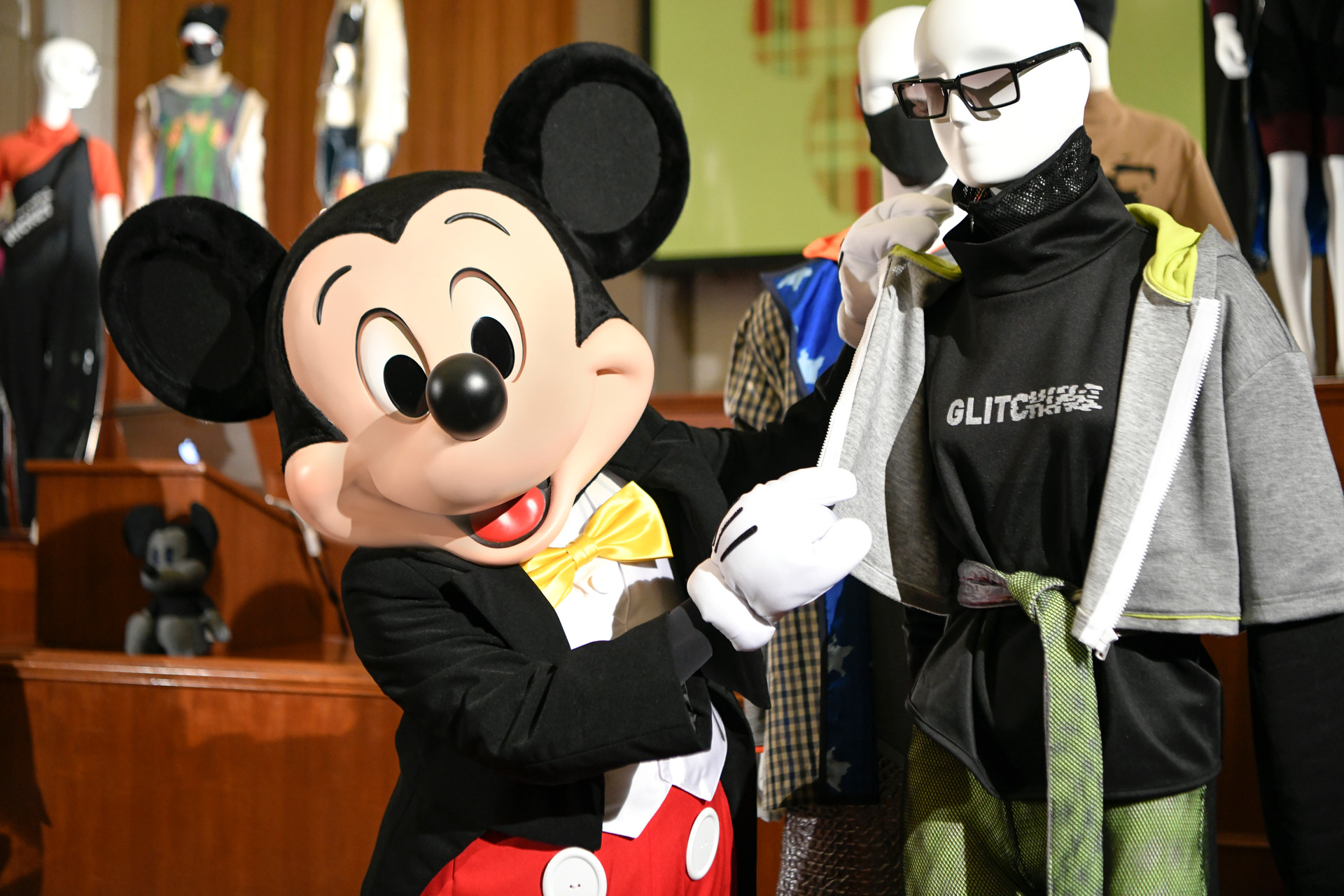 MICKEY GLITCHING THROUGH TIME EVENT