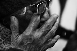 Mãos de uma vida dedicada