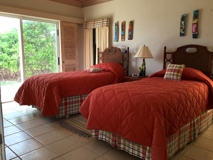Guest House bedroom with 2 single beds