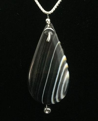 One-of-a-Kind Agate w/Gregg Allman's String &Mushroom #31
