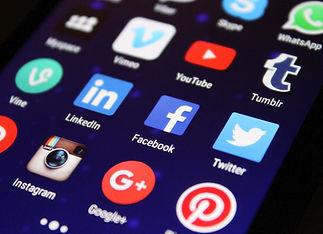 réseaux sociaux media-998990_1920 (1).jp