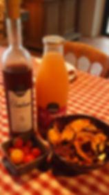 La Halte de Coat Carrec | Table d'hôtes | Produits locaux, cidrerie de Rozavern, Brasserie du bout du monde, Légumes du jardin, Porc blanc de l'ouest ...