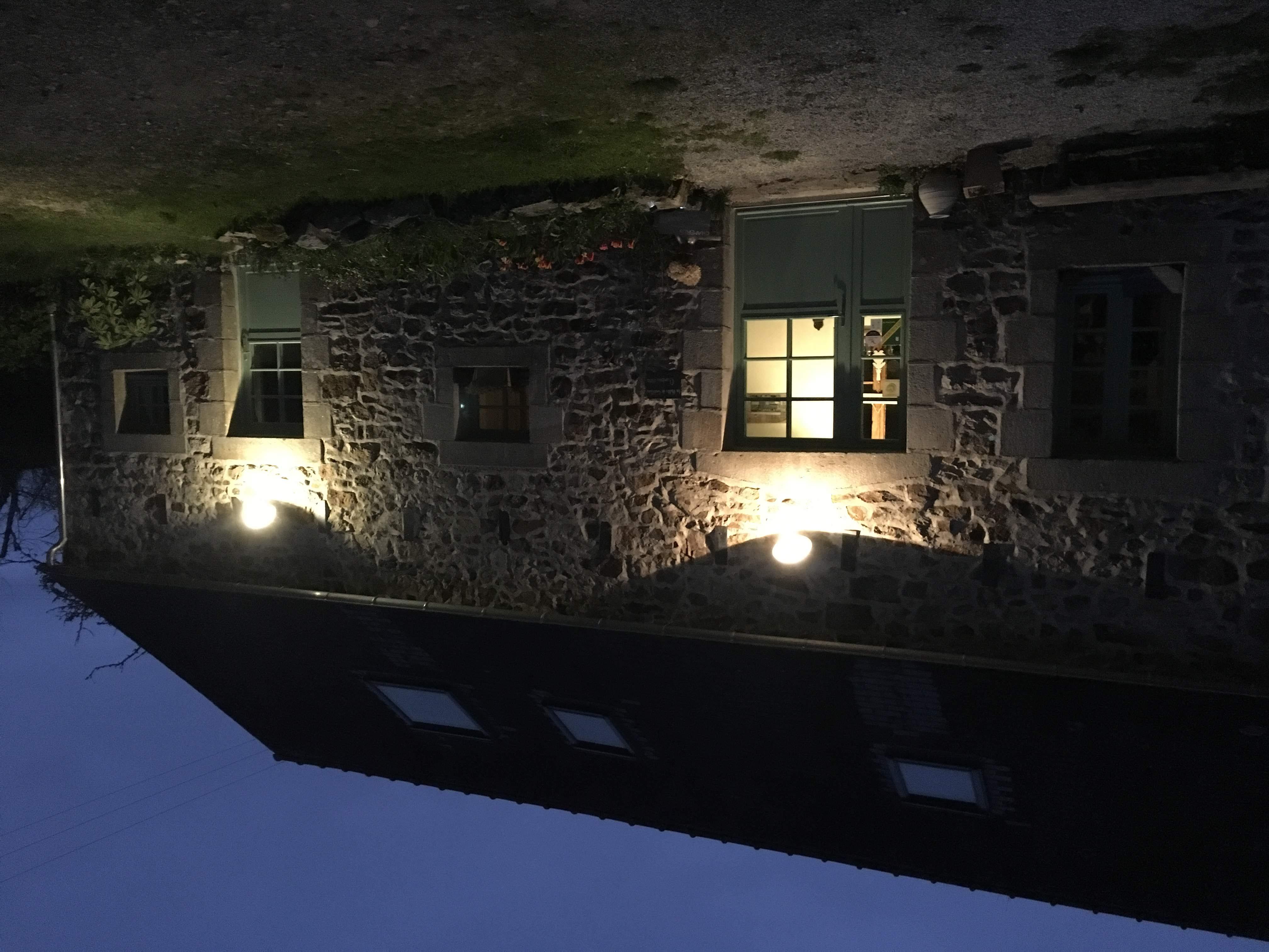 La Halte de Coat Carrec by night