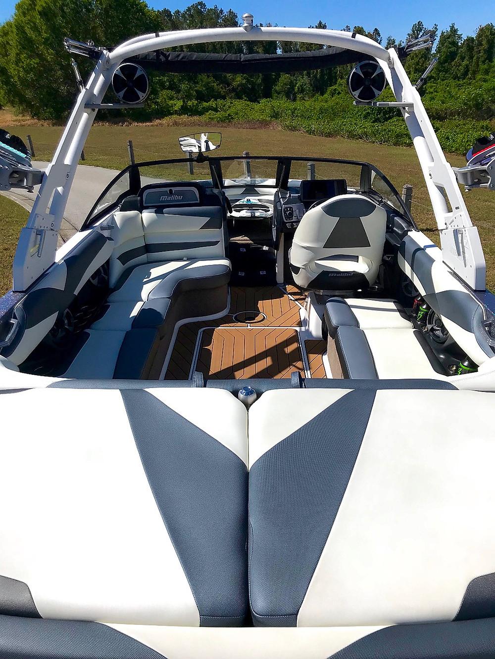 Wakesurf Orlando Malibu 23 LSV Wakesurf Boat Cleaned with Boat Bling Vinyl Sauce