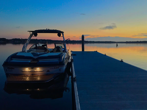 Wakesurf Orlando Tommy's Malibu 23 LSV Wakesetter Wakesurfing Boat