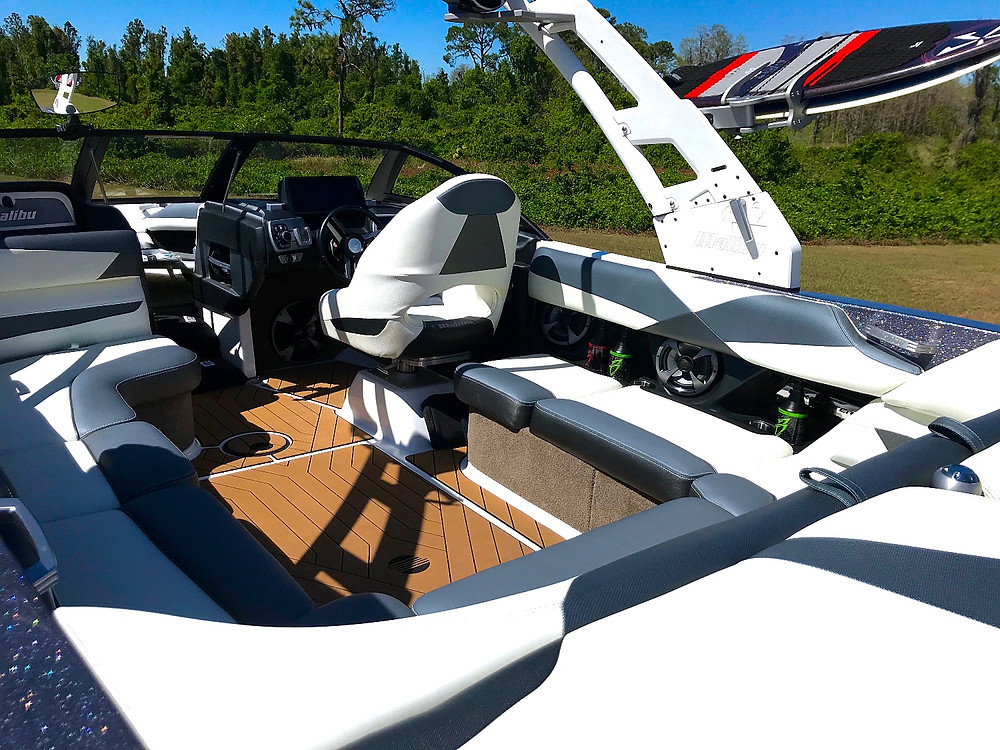 How to clean white boat upholstery with Boat Bling Vinyl Sauce
