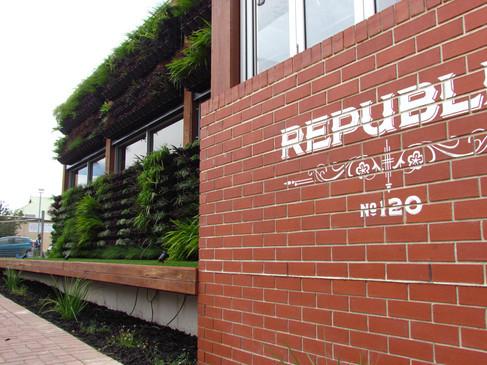 Republic Hotel