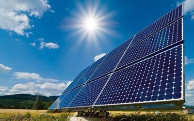 $160 million Investment in Solar Energy // Inversión de $160 millones en energía solar