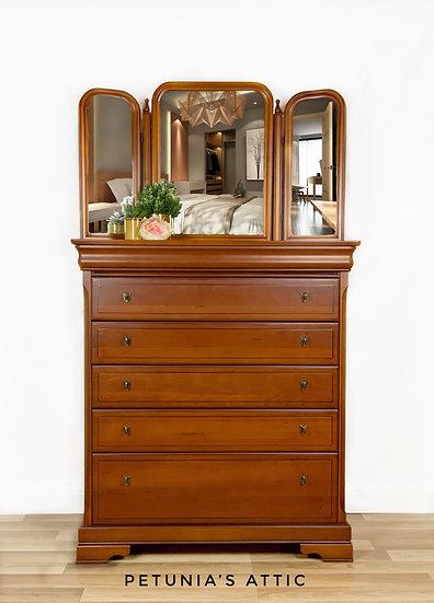 Vanity Drawers with Triple Mirror