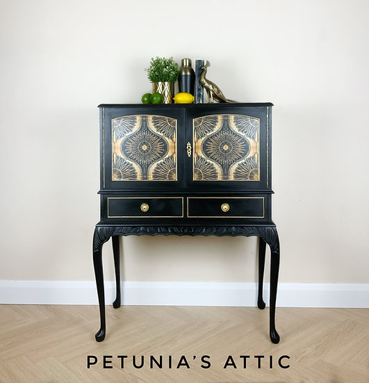 Cocktail and Drinks Cabinet
