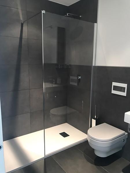 Glacier bathroom after