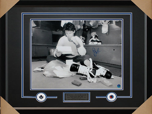 Doug Gilmour Signed 16x20 Mail Frame