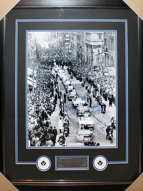 Toronto Maple Leafs 1967 Parade signed 16x20 frame