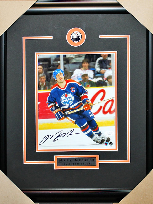 Mark Messier Signed 8x10 Action Frame