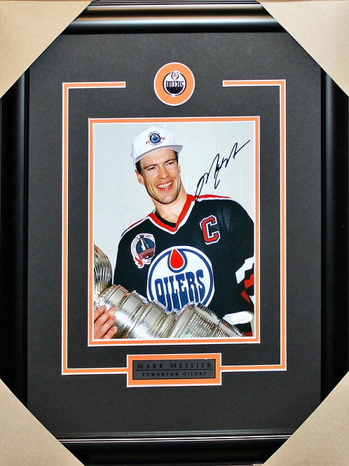 Mark Messier Signed 8x10 Cup Frame