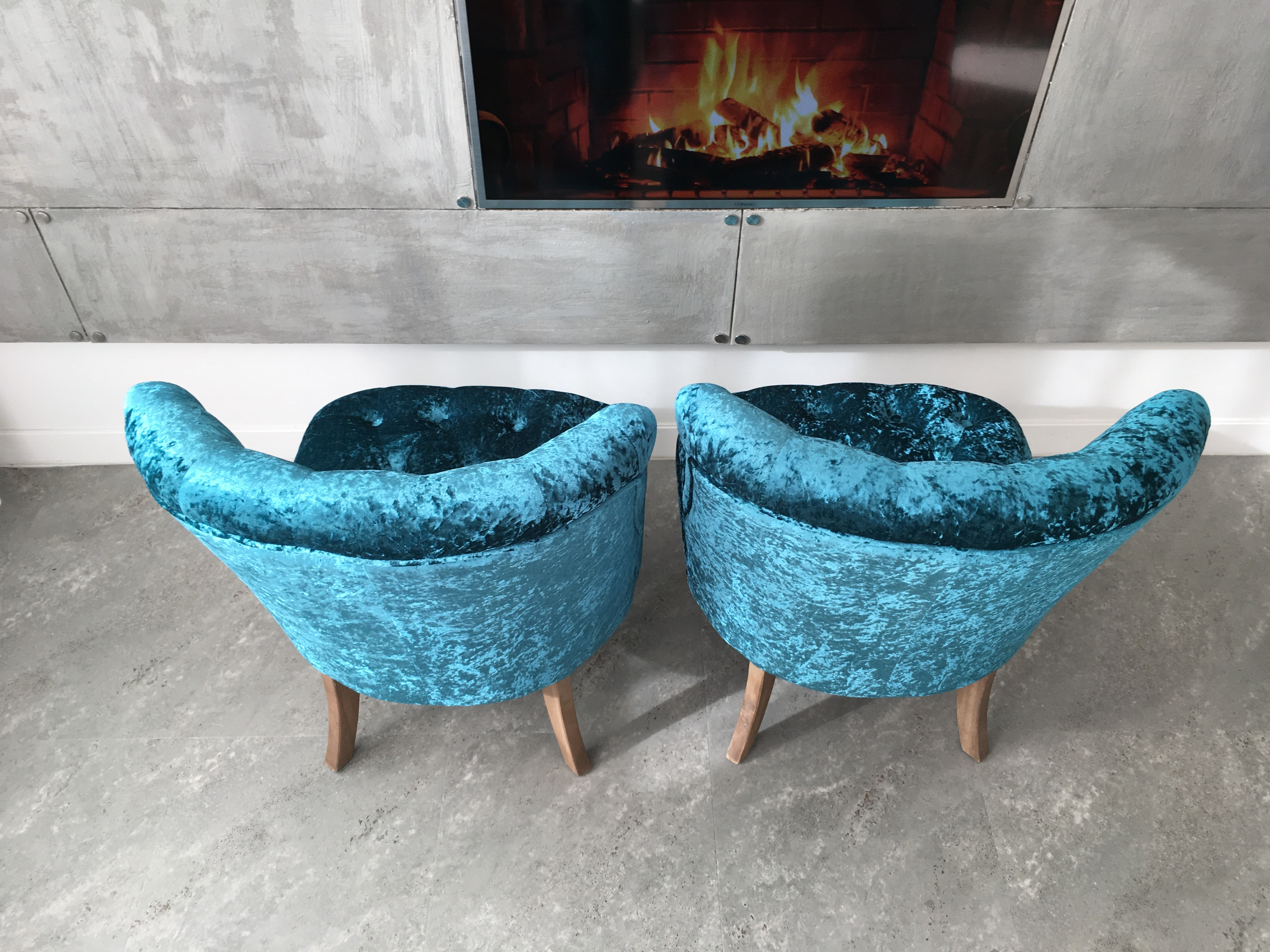 Design Unique Bampton turquoise blue Crushed Velvet Armchairs Chair set of 2 | areadesignlimited