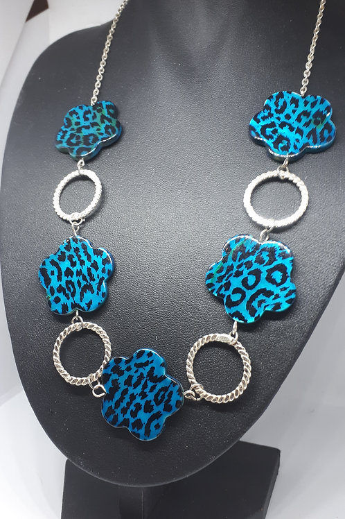 Silver plated blue animal print flower patterned shell necklace