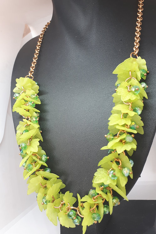 Leaf and crystal fashion necklace