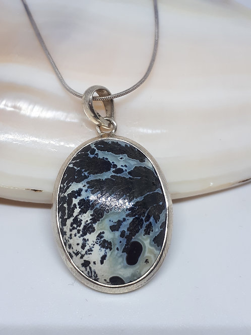 Sterling silver dendritic agate pendant necklace