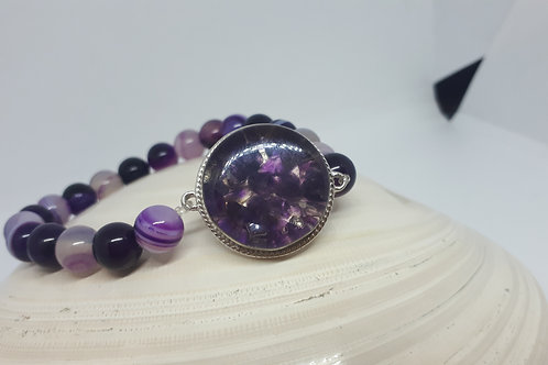 Purple dyed agate and amethyst stretchy bracelet
