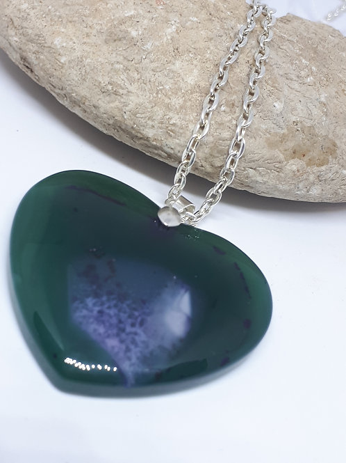 Silver-plated green agate heart pendant necklace