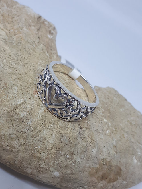 Sterling silver heart ring - UK size P