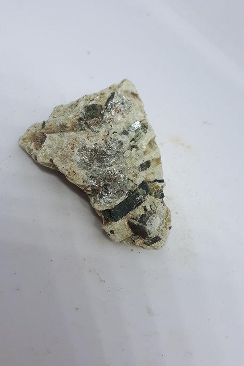 Raw actinolite